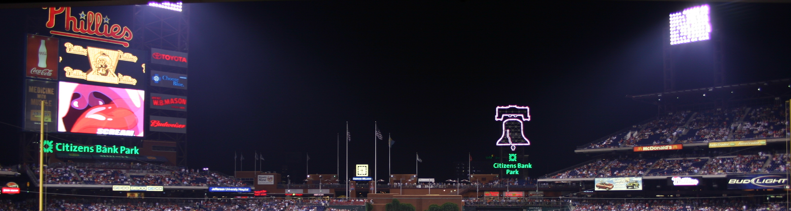 Citizens_Bank_Park_Scoreboard.jpg