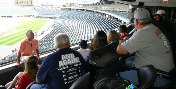 Ron Kittle at US Cellular Field with Big League Tours guests