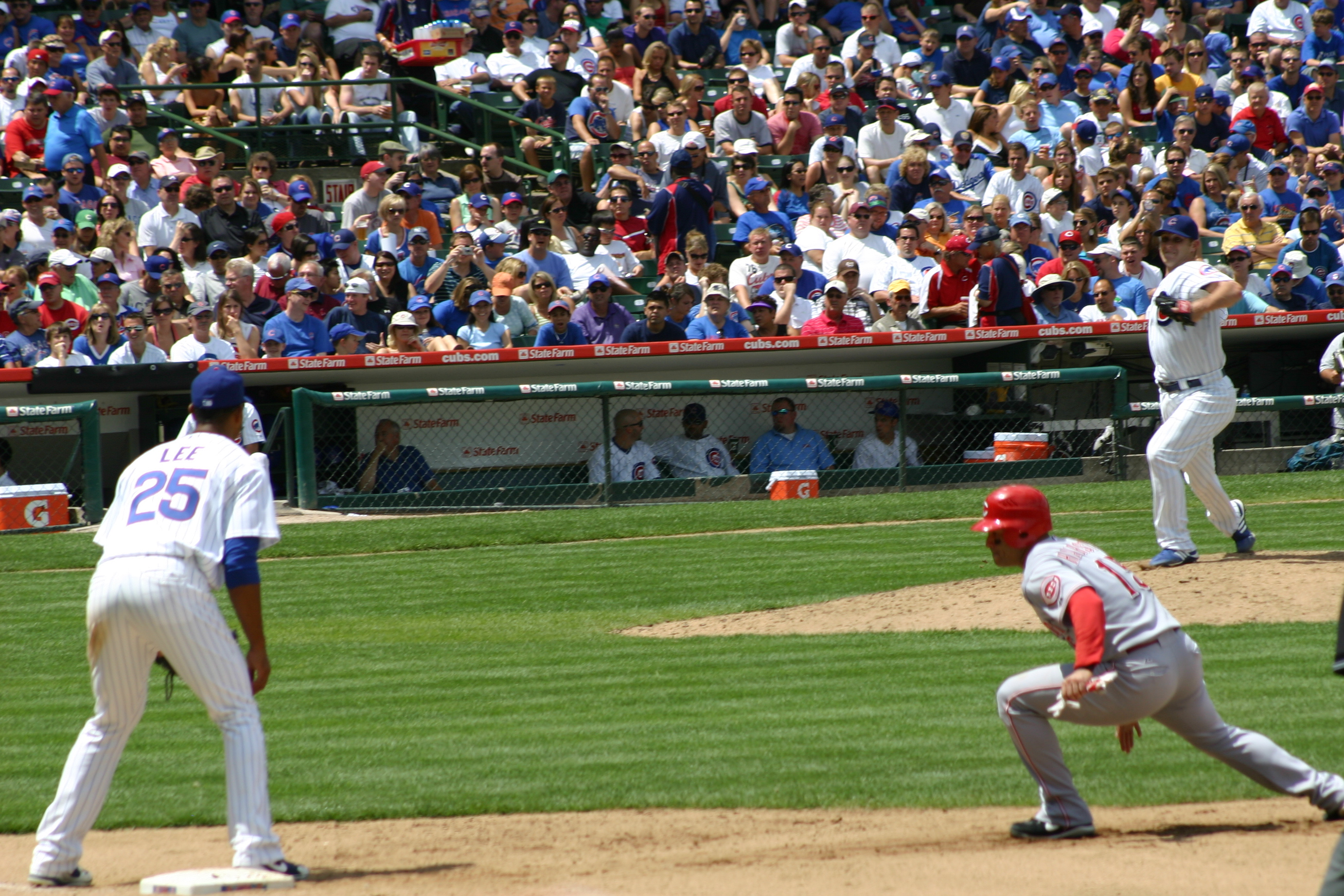 Wrigley Field,baseball road trips,ballpark tours,Chicago vacation packages